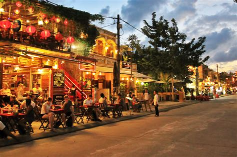 Hoi An faces pollution crisis   TTR Weekly