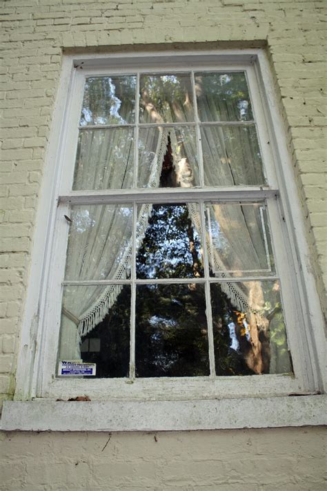 Southern Lagniappe: McRaven House: The Most Haunted House