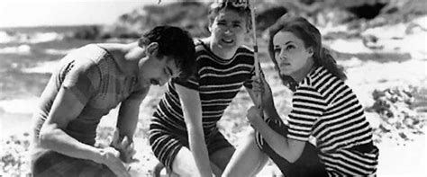 Jules and Jim Movie Review & Film Summary (1961)   Roger Ebert