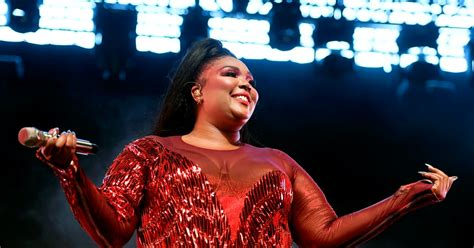 """Is Lizzo Single? The """"Juice"""" Singer Keeps It Real About"""